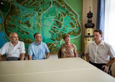 Balról jobbra: Dr. Kakasy László az ÉMSZ elnöke,Szép Zoltán a CREATON szaktanácsadója, Horvát Tamás Tác polgármestere